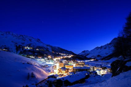 Snow-wise - Our complete guide to Cervinia, Italy - Cervinia's après-ski
