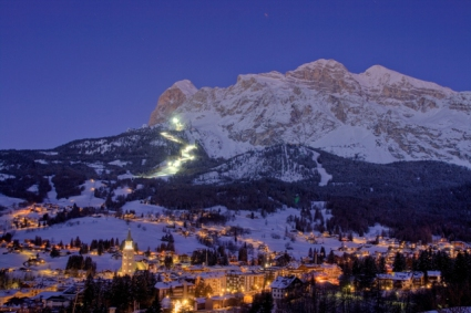Snow-wise - Our complete guide to Cortina - Cortina's après-ski