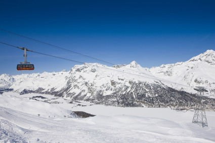 Insert an alternative text here. Nira Alpina, St Moritz - Snow-wise - Our blog, A hidden gem in St Moritz