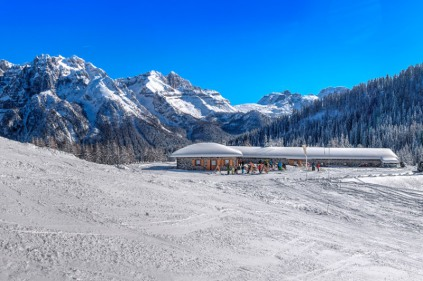Snow-wise - Our complete guide to Madonna di Campiglio, Italy - Mountain restaurants in Madonna di Campiglio