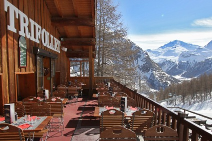 Snow-wise - Our complete guide to Val d'Isère, France - Mountain restaurants in Val d'Isère